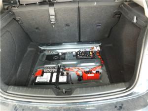 宝马118i原车后备箱隔音