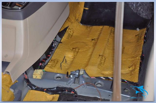 静享旅程 大众桑塔纳汽车隔音改装大白鲨黄金甲