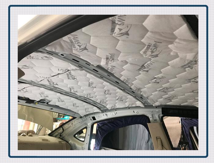 而这些噪声主要通过汽车的轮弧等部位传入到车厢内部,所以改装技师